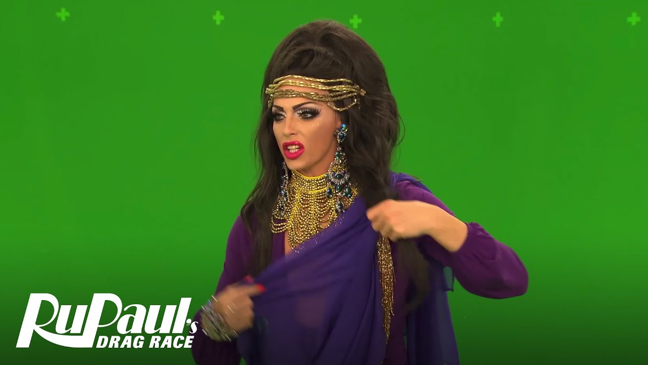 Rupauls Christmas Special.Rupaul S Drag Race Green Screen Christmas Bloopers W Haus Of Edwards The Pit Crew More Logo