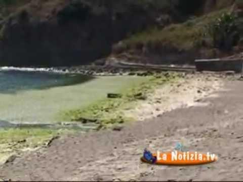 La spiaggia di Agnone Bagni abbandonata dal comune di Augusta - YouTube