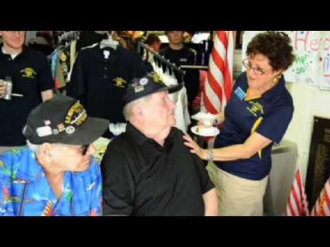1943 Graduate Returns To UDT-SEAL Museum In Florida