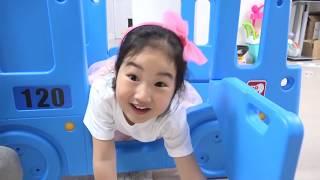 비오는날엔 집에 놀이터를 만들어요! 타요 미끄럼틀 스쿨버스 미끄럼틀 장난감 놀이 Tayo Bus Slide toy