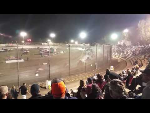 It just Got lit at bakersfield Speedway