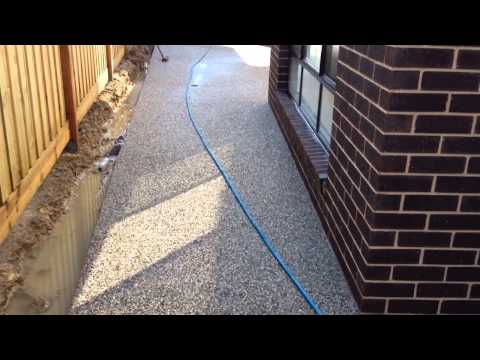 Exposed aggregate concrete wash