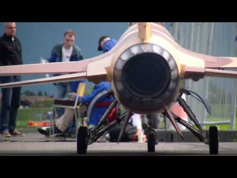 R/C Jet USAF Lockheed Martin F-16 R.Thoma Swiss Championship 2014 Interlaken