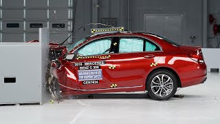 2016 Mercedes-Benz C-Class small overlap IIHS crash test