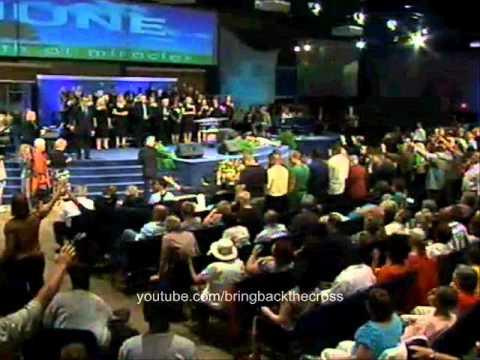 Benny Hinn - Fire of the Holy Spirit Falling in Kentucky