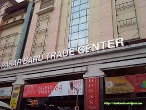 Lengangnya  pasar baru trade centre kota bandung
