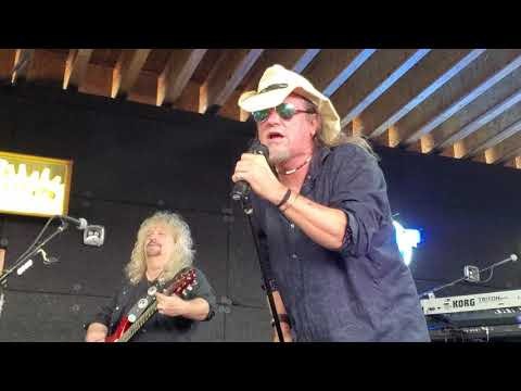 Molly Hatchet- Gator Country mp3