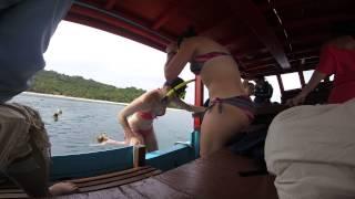 พาฝรั่งสาวๆไปเที่ยวเกาะทะลุ โอ้แม่จ้าว  Nice young and girl Jumping on The Boat Kohtalu Thailand