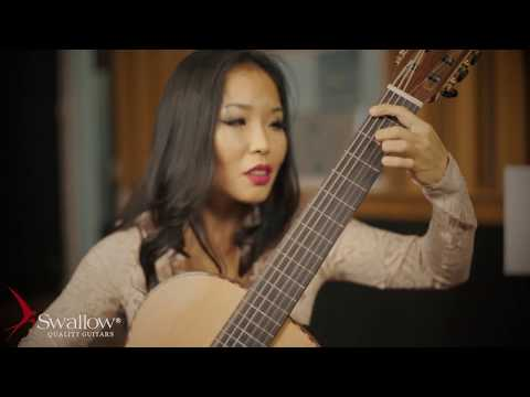 J.S.Bach, Prelude BWV 997 played by Thu Le, classical guitar