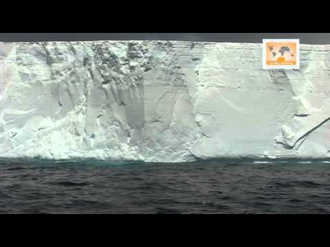 Antarctica - Iceberg magic: B15