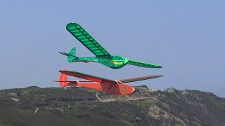 Cliffhanger and Leprechaun flying together.