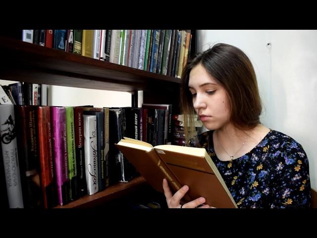 Изображение предпросмотра прочтения – АлександраБолдырева читает отрывок изпроизведения «Матрёнин двор» А.И.Солженицына