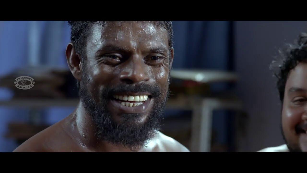 ഇടുന്നതിൽ  കുഴപ്പമില്ലങ്കിൽ ഞാൻ അങ്ങോട്ട് ഇട്ടു തരട്ടെ ചേച്ചി | Vinayakan | ATM Movie Clip