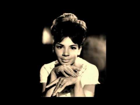 Shirley Bassey - Kiss me honey honey (kiss me) (1958)