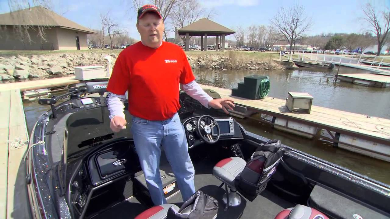 Triton Boats Fish Hunter 216 Walk Through 2013