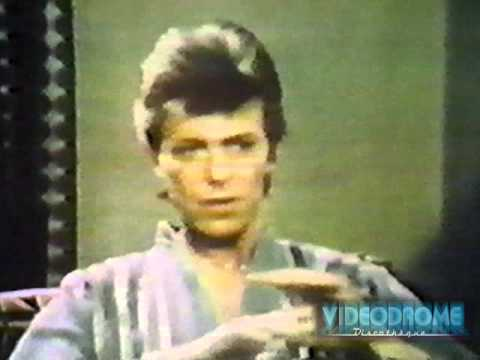"DAVID BOWIE - Flo & Eddie Interview David Bowie For ""90 Minutes Live"""