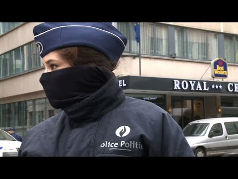 Paris attacks suspect Abdeslam questioned in Brussels
