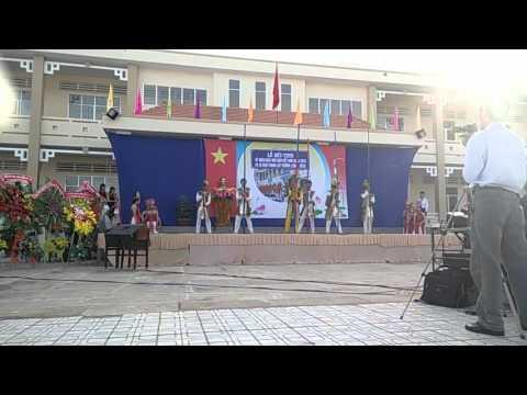 Múa Dòng Máu Lạc Hồng 11c6 Trường THPT Tắc Vân