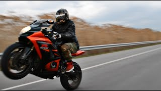 Suzuki GSX-R 1000 Riding / Wheelies / Top Speed & More [HD](Suzuki GSX-R 1000 Riding GoPro Hero 3 / Black Edition Canon 550D 35mm 1.4 / 18-55mm., 2015-01-20T23:18:00.000Z)