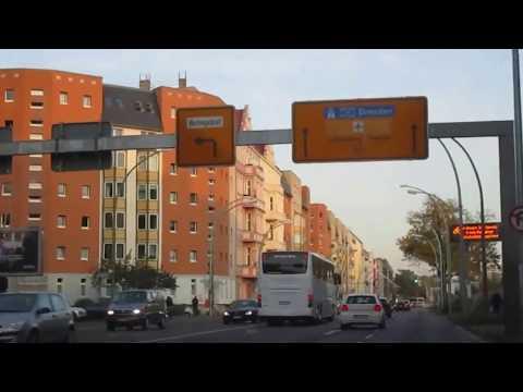 Fahrt in Berlin durch den Ost und West Teil der Stadt