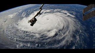 MASSENEVAKUIERUNG: Hurrikan