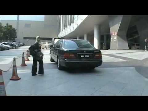Kuala Lumpur Convention Centre ( KLCC )