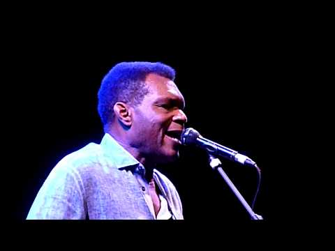 Robert Cray - Right Next Door (Because Of Me) - Indigo2, London (Bluesfest) - October 2018 Mp3