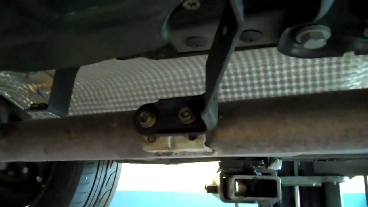 2003 mercedes benz c240 replacing motor mounts youtube fandeluxe
