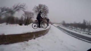 Прыжки с трамплина на велосипеде(Наше первое отредактированное видео, следующие видео будут еще лучше. Группа Вконтакте: http://vk.com/more_action., 2016-03-18T12:43:31.000Z)