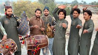 Saraiki culture Jhumar Dance in dhol been
