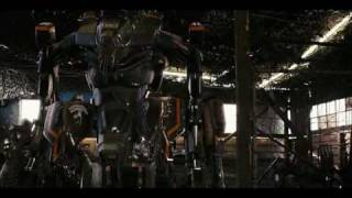 Mechsuit scene from District 9