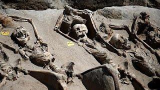 شاهد.. العثور على مقبرة جماعية باليونان