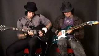 Download A7X: Zacky Vengeance & Synyster Gates - Bat Country Guide MP3 song and Music Video