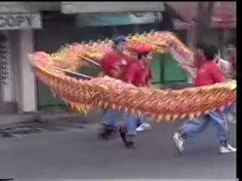 Đoàn Lân Phù Đổng Q.6 đến Chùa Bà là lễ khai quang điểm nhãn   sáng 30 tết