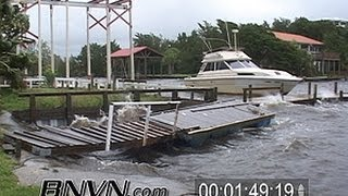 6/13/2006 Tropical Storm Alberto Video From Steinhatchee Florida.