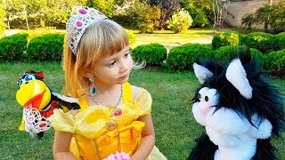 The Crow stole the crown from Alena Kids pretend play with toys by Chiko TV