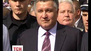 Житель Львова подав до суду на Авакова за виступ російською мовою