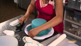 The Twin Cities Tiered Cake Episode