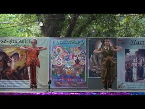 Rathayatra 2010 - Bharatnatyam Dance - Gopi Krishna and Surata - 12/14