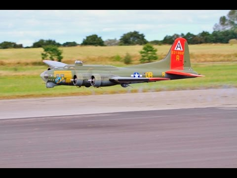 2 X 17ft W/SPAN RC BOEING B-17 FLYING FORTRESS WW2 BOMBERS - LMA RAF ELVINGTON - 2016