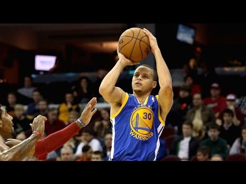 Young Stephen Curry Playing Basketball in the 8th Grade, Demolishes Competition