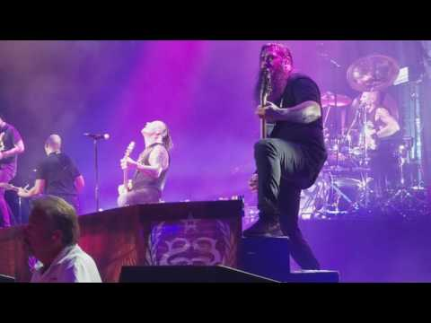 Stone Sour - Tired (Live in Cleveland)