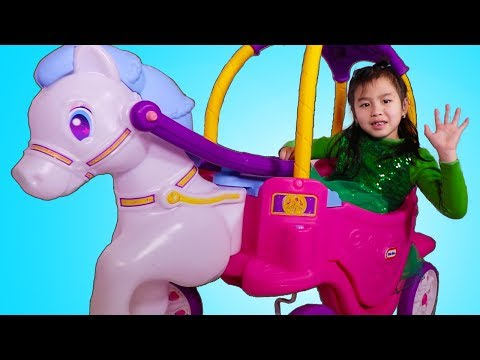 Jannie Build and Play with Princess Horse & Carriage Toy