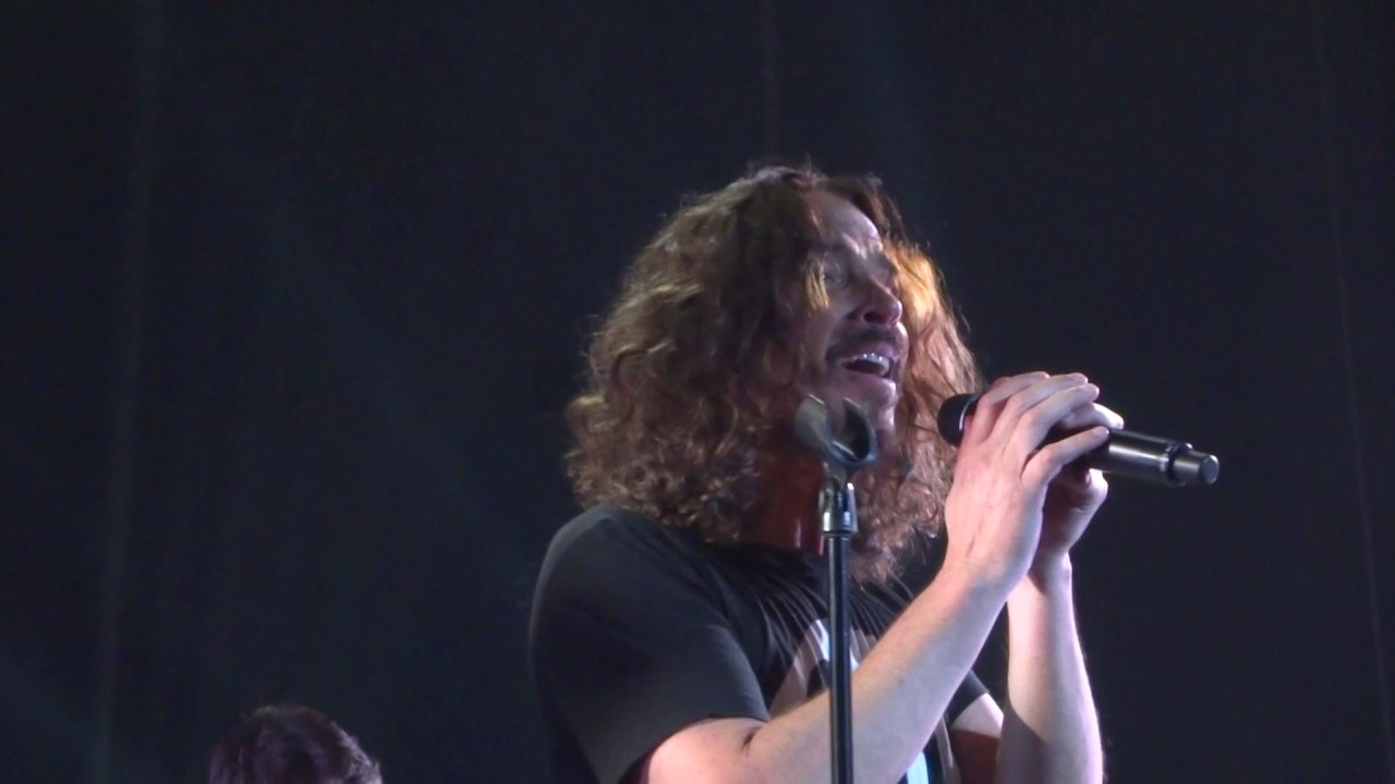 temple of the dog seasons chris cornell song tower theater philadelphia pa 11 4 16 youtube. Black Bedroom Furniture Sets. Home Design Ideas