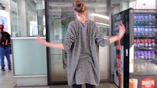 La Trobe University:  Will you dance with me?  | JCDecaux Australia