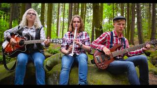 Coventina - The Foggy Dew (Official Music Video)