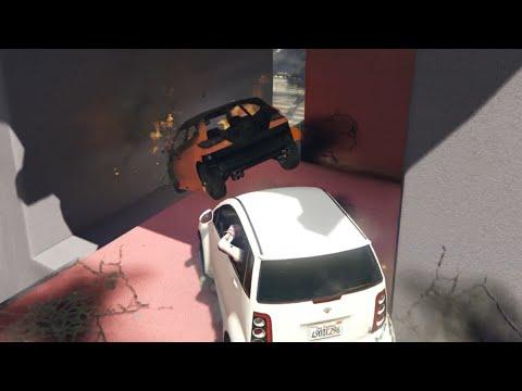 WIE RIJD ER NAAST DE RAMP? (GTA V Online Funny Races)