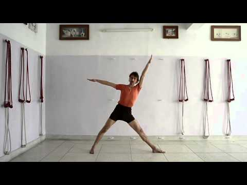 30 minutes practice of Iyengar Yoga for beginners to interme