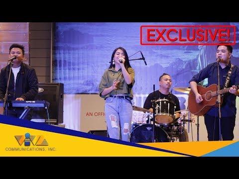 THIS BAND sings their hit song 'HINDI NA NGA' #AuroraMallTour