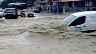 Природная катастрофа в Краснодарском крае(http://ru.euronews.com/ Наводнения в Краснодарском крае привели к многочисленным жертвам. По последним данным 104 чело..., 2012-07-07T17:17:52.000Z)